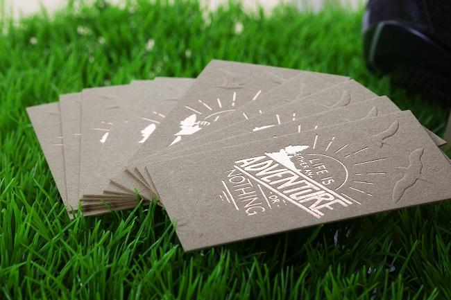 Επαγγελματικές κάρτες με θερμοτυπία στο officeplus.gr